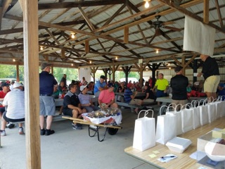 /images/2018_golf_outing/12